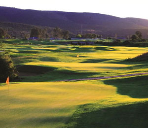 Golf course and mountains at Bushman Sands
